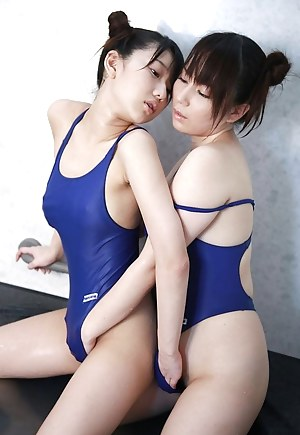 Teen Swimsuit Porn Pictures